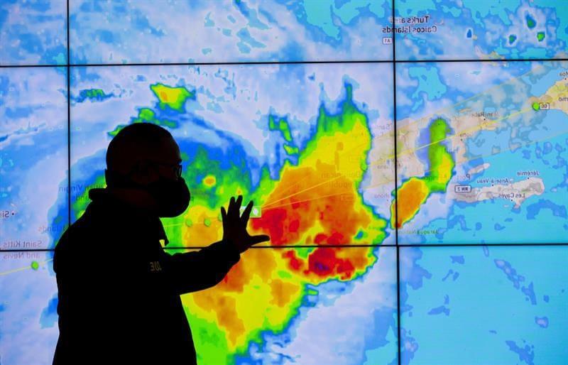 Meteorólogos de EEUU vigilan sistemas en el Atlántico y Golfo de México